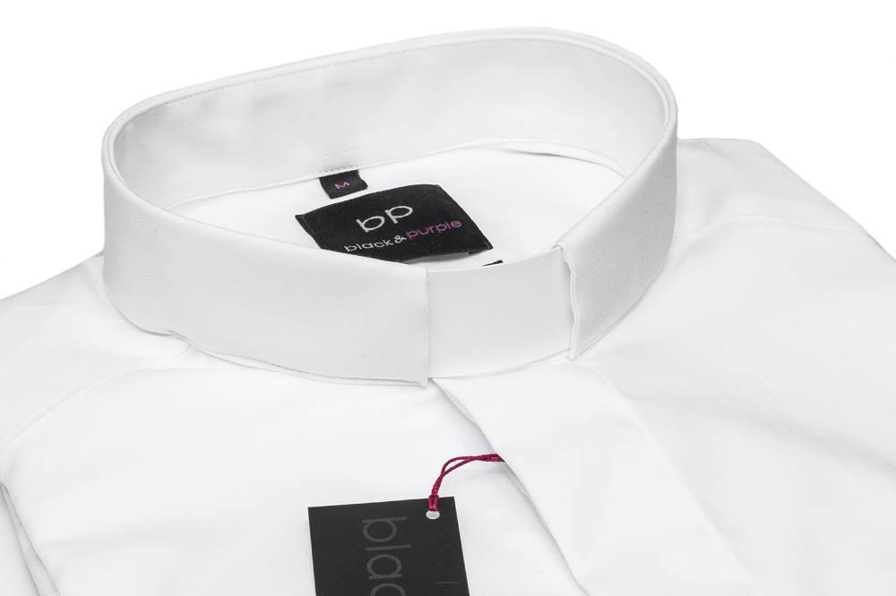e885aac53 Koszula kapłańska z wysoko gatunkowej 100% bawełny. Wyjątkowo łatwa w  prasowaniu dzięki wykończeniu NON IRON. Koszula w kolorze białym.